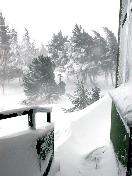 Istanbul_snow/2_campus_in_snow_130204